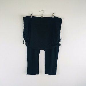 Maurices in Motion Capri with Skirt Leggings Sz 28